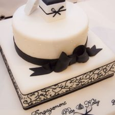 two-tier-wedding-cake