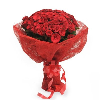 Roses In Jute Packing 50 Red Roses