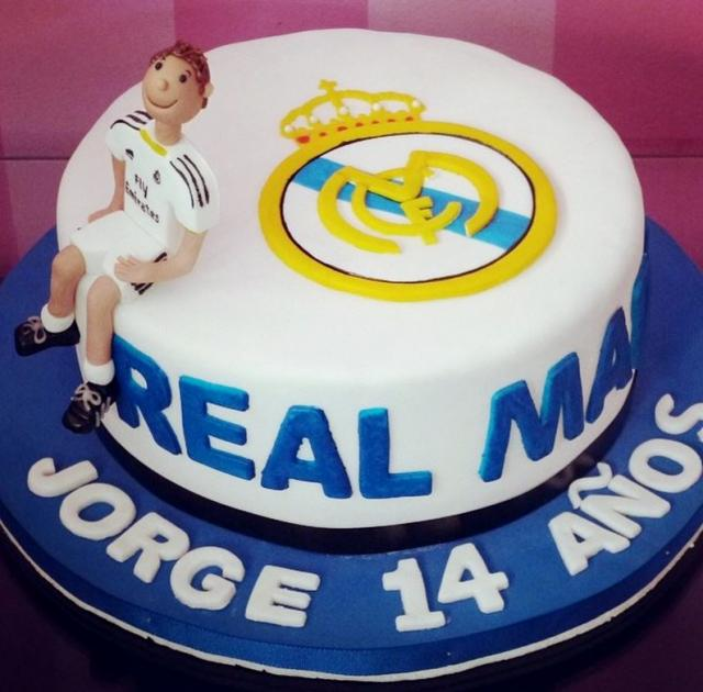 Cake Images Real : Order Real Madrid Cake Online, Buy and Send Real Madrid ...