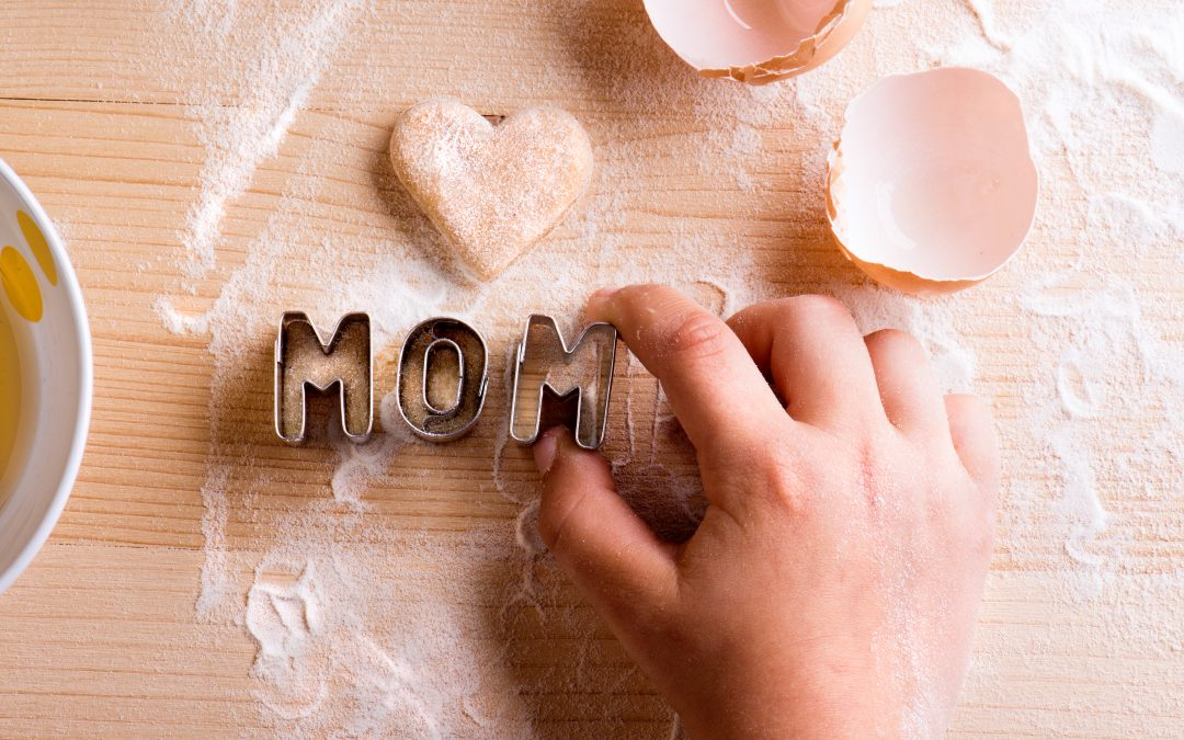 Celebrate Mom with Pretty and Delicious Mother's Day Cakes