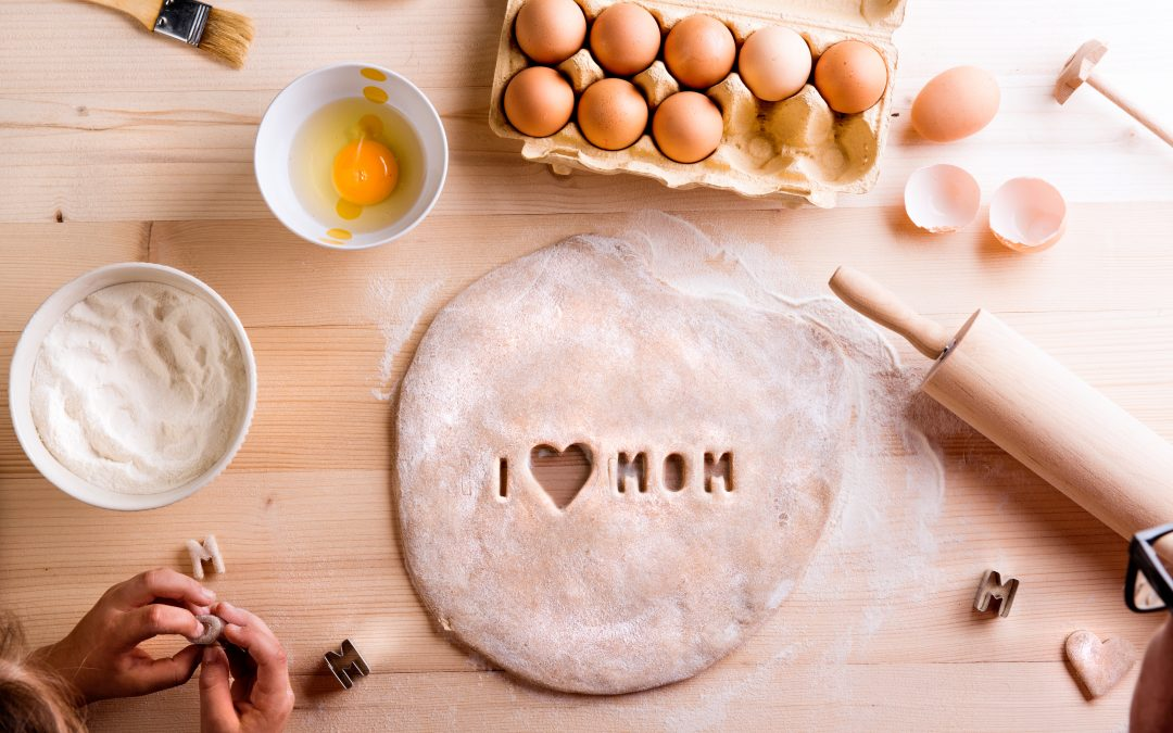 Get Mother's Day Cakes To Make Your Mum Happy
